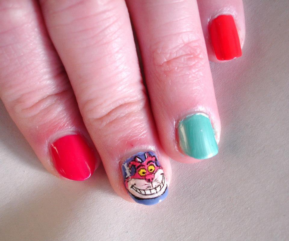 Priscilla\'s Cottage: Alice In Wonderland Nail Art