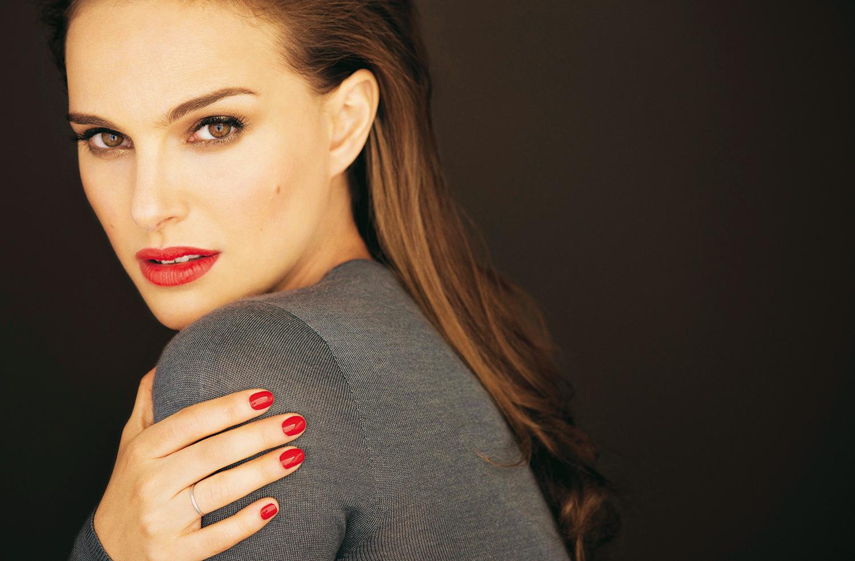 Natalie Portman Hot Cover HD Photo