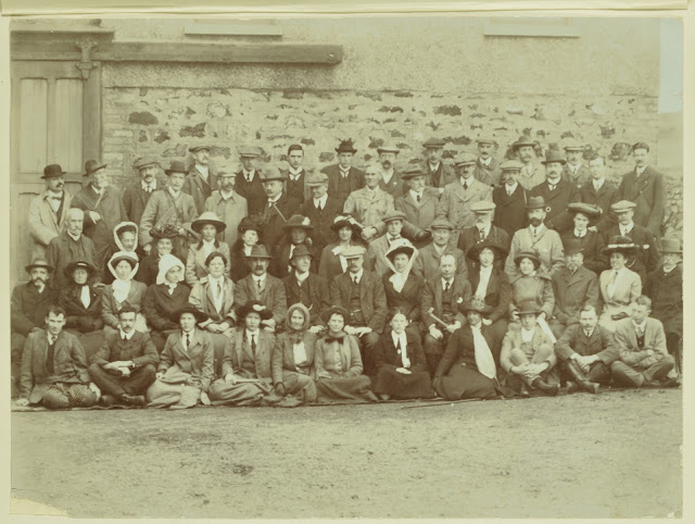 Geologists Association Field trip to the Lizard, Cornwall, Easter 1913. Director Sir John Flett. Group photograph and key.