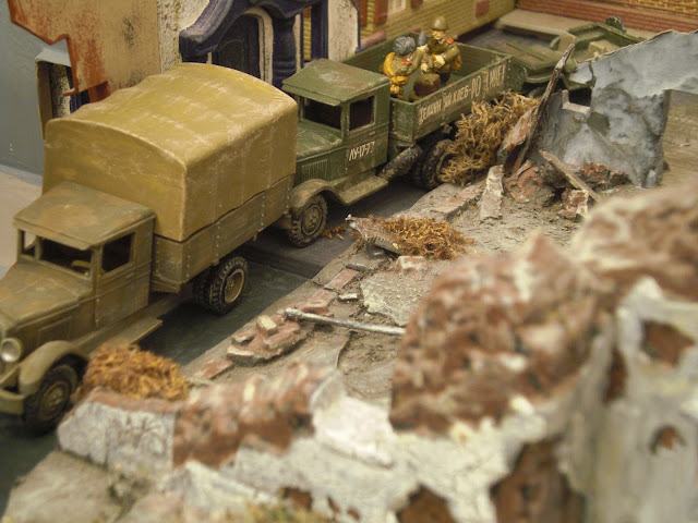 Picture of trucks - red army