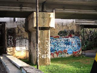 Coretan Kolong Jembatan