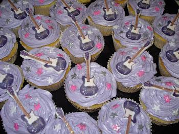 Hannah Montana Guitar Cupcakes