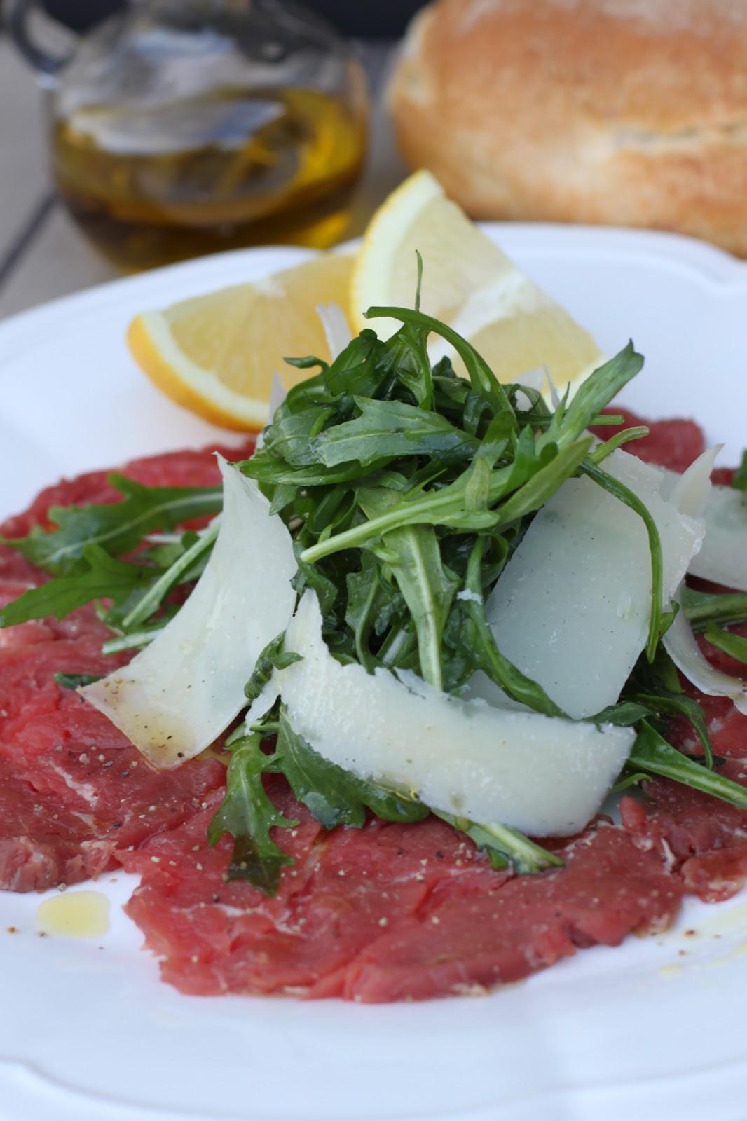 Buona Domenica: Carpaccio di manzo (raw beef carpaccio)