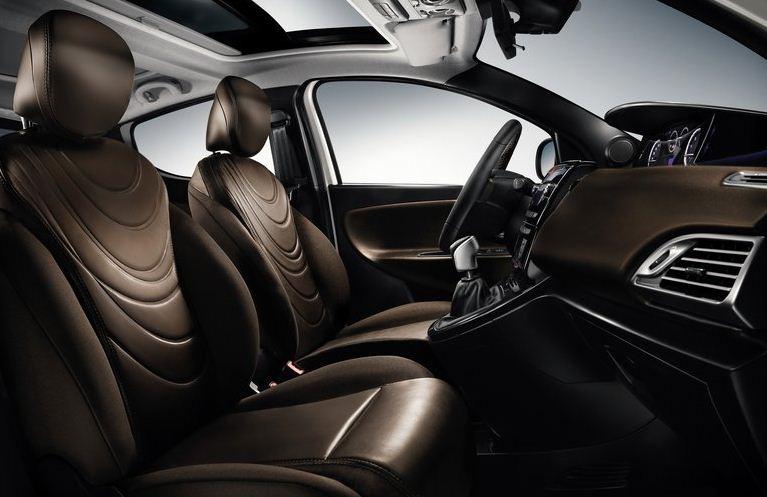 Lancia Ypsilon 2012 interior