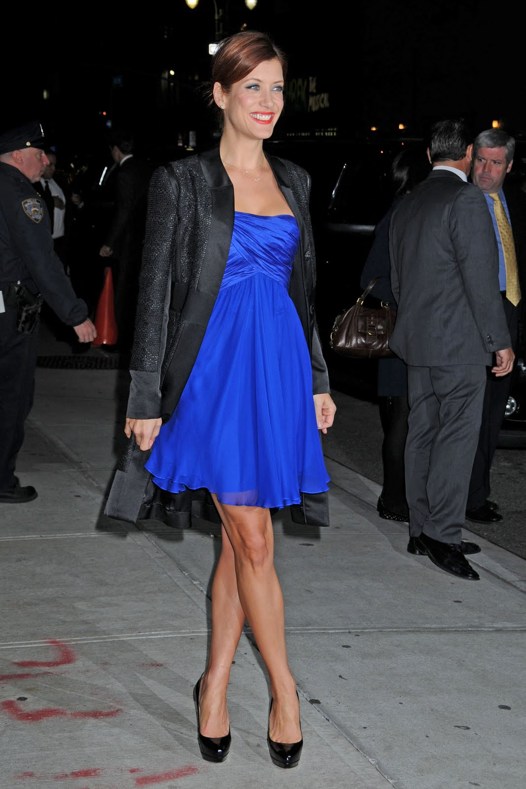 http://1.bp.blogspot.com/-ABX_sG8nH9U/TYvBGz8wG7I/AAAAAAAAG8E/Mw1Z3EjbPEY/s1600/Kate_Walsh_at_Late_Show_with_David_Letterman_in_New_York_City_-_Nov._11_2009_315_122_491lo.jpg
