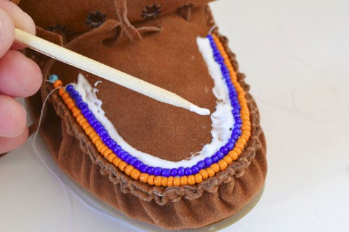how to add beads to shoes