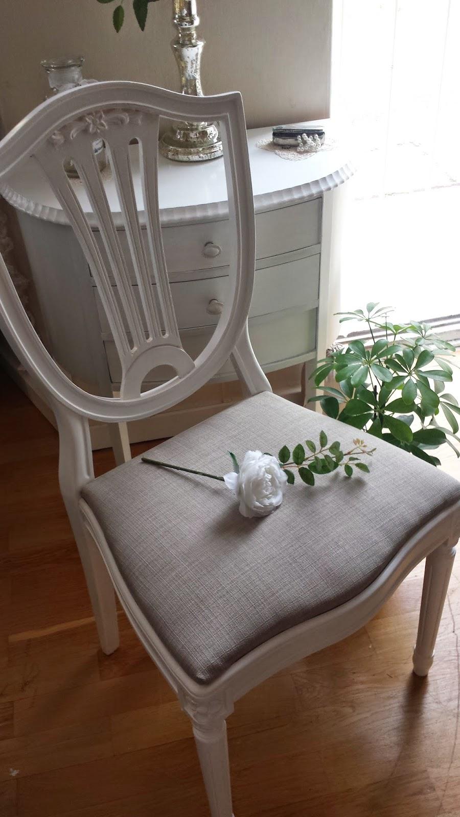 Den rosa virknålen: Så här blev resultatet av min möbelrenovering!