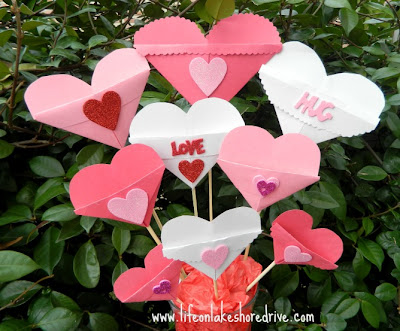 Valentine's Day paper heart craft
