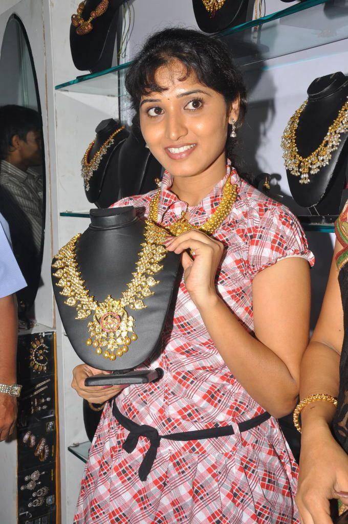 http://1.bp.blogspot.com/-AChTYngnYwg/ThAKtklNNWI/AAAAAAAAbtE/WHAPlTZJUlg/s1600/actress+bhanu+mehra+photo+gallery+3.jpg
