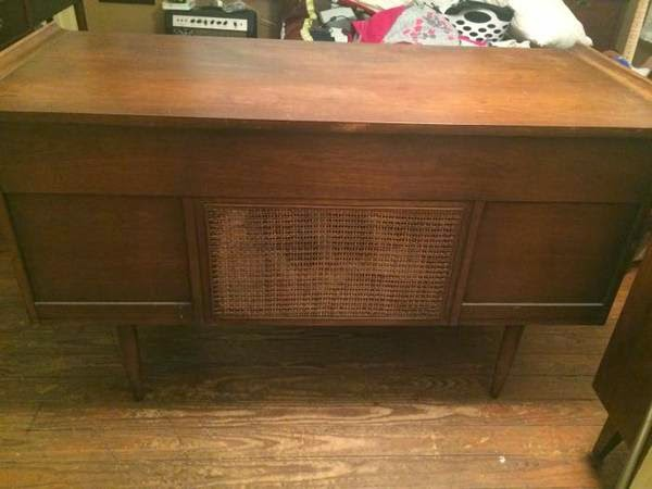 Mad for Mid Century Broyhill Sculptra Desk on Austin