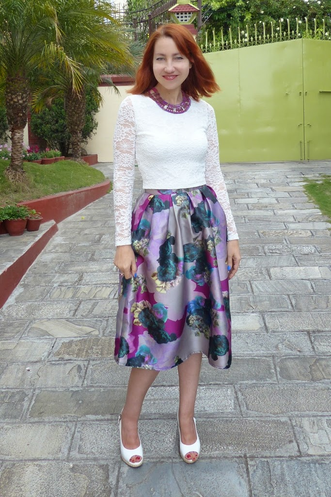 Floral midi skirt, lace top