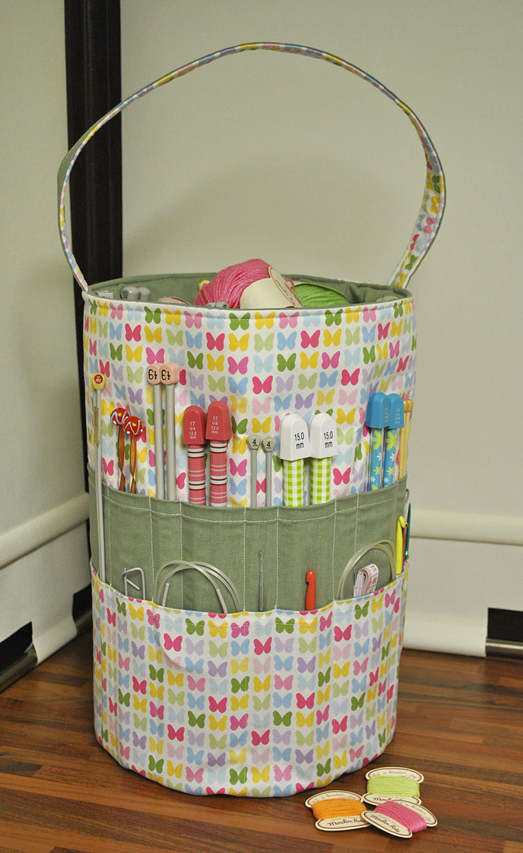 Knitting Bag Pattern To Sew : Sew Sweet: The Ultimate Knitters Tote