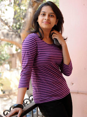 Bus Stop Actress Sri Divya Pictures