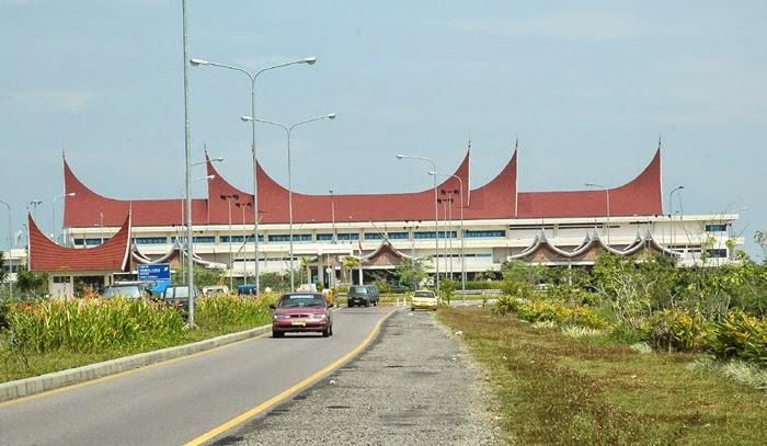 bandara minang kabau padang pariaman
