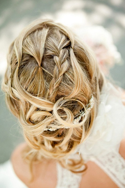 unique wedding hair