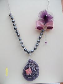 http://joli-jewelryart.blogspot.com/