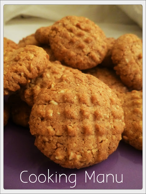 biscotti alle noccioline e amaretti (peanuts and amaretti cookies)