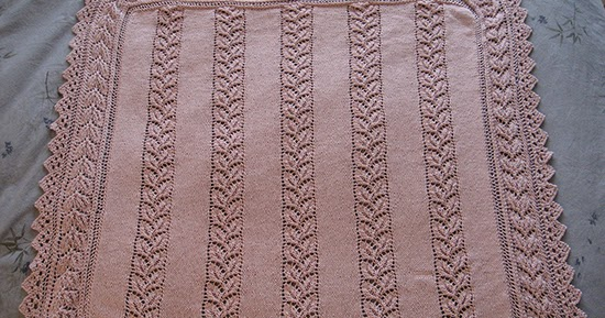 Free Knitting Patterns Lace Panels : Daily Knitting Patterns: Lace Panelled Baby Blanket