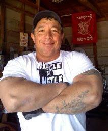 FERNIE GUTIERREZ - WEIDER-BUST POSE RR'S T-SHIRTS www.robbyrobinson.net/muscle_vs_hustle_tshirt.php