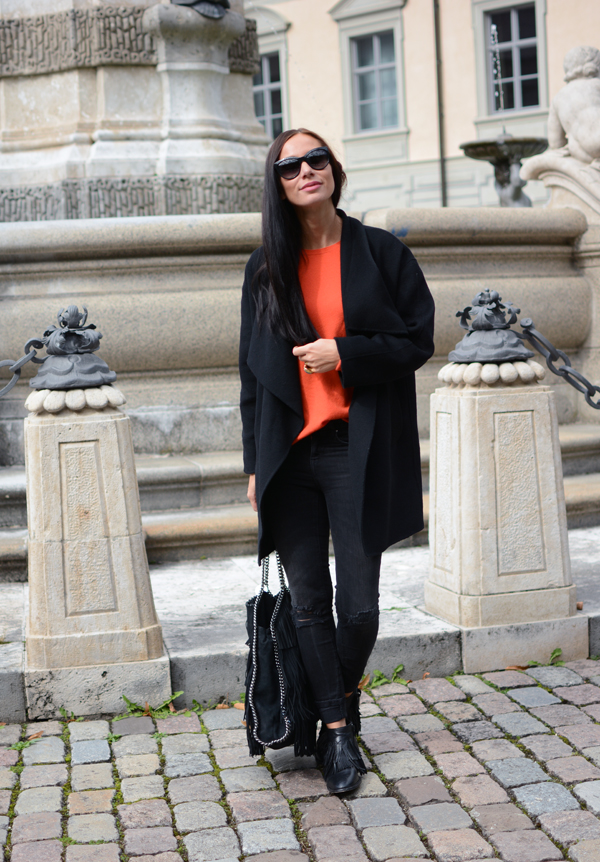 LamourDeJuliette_Hermes_Orange_Cashmere_Winter_Outfits_Fringe_Boots_010
