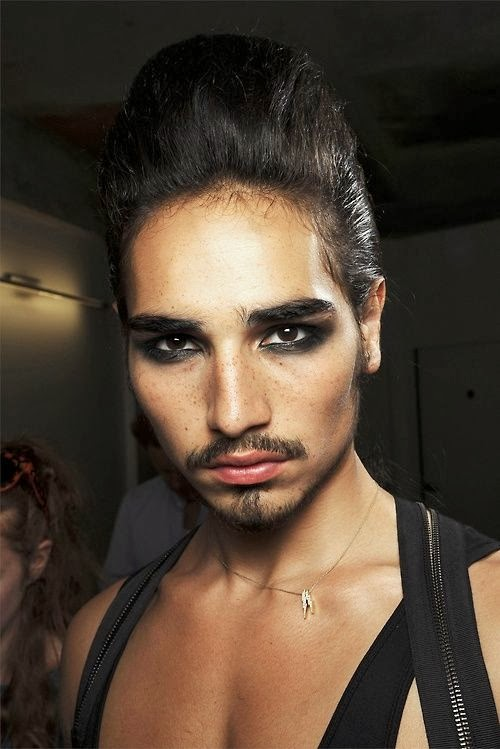 Enjoy The Kiss Discover Willy Cartier Gypsy Boy