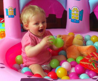 Single Mothers CSJ report happy baby