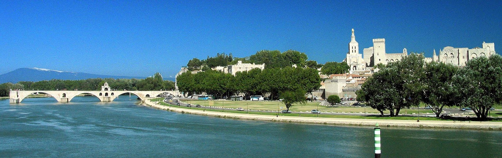 how to get from barcelona to avignon