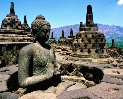 Candi Borobudur : tempat wisata di magelang paling terkenal