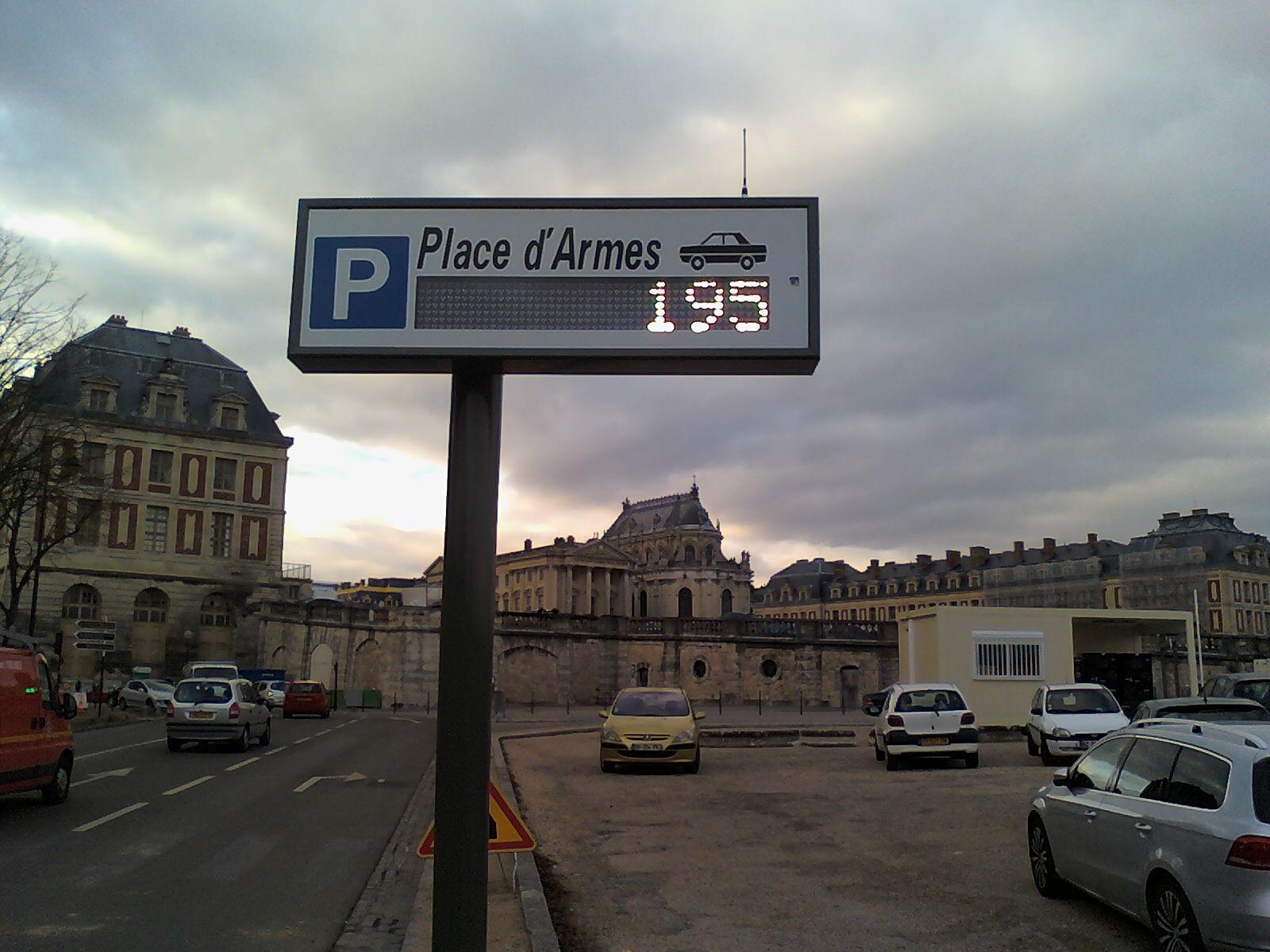 Parking de la place d 39 armes ch teau de versailles for Parking parc des expositions versailles