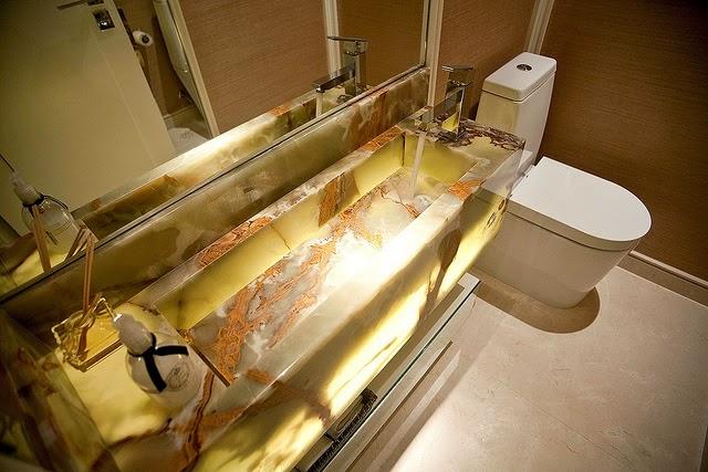 Cubas esculpidas  veja diferentes tipos e banheiroslavabos lindos!  DecorS -> Cuba Para Banheiro Dourada