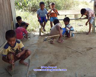 Langkah membuat senapan bambu