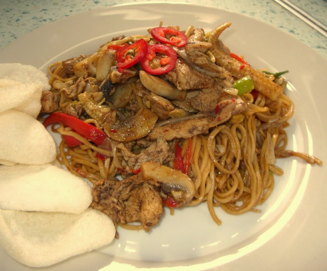 Jenny eatwells rhubarb ginger chicken chow mein who needs chickenchowmein2g forumfinder Image collections