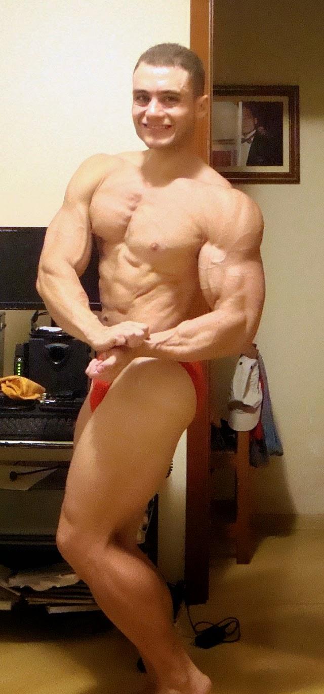 Rodrigo Peixoto mostra sua rotina de poses. Foto: Arquivo pessoal