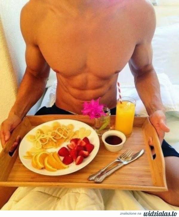 39425-sniadanie-do-lozka-w-takim-wydaniu-mega.jpg