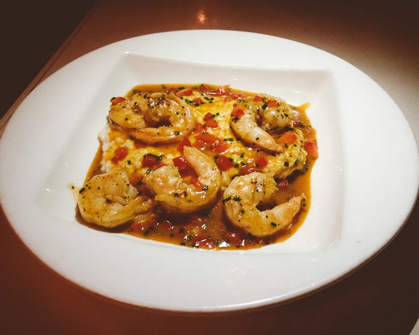 shrimp and grits at Public House restaurant in Chattanooga Tennessee