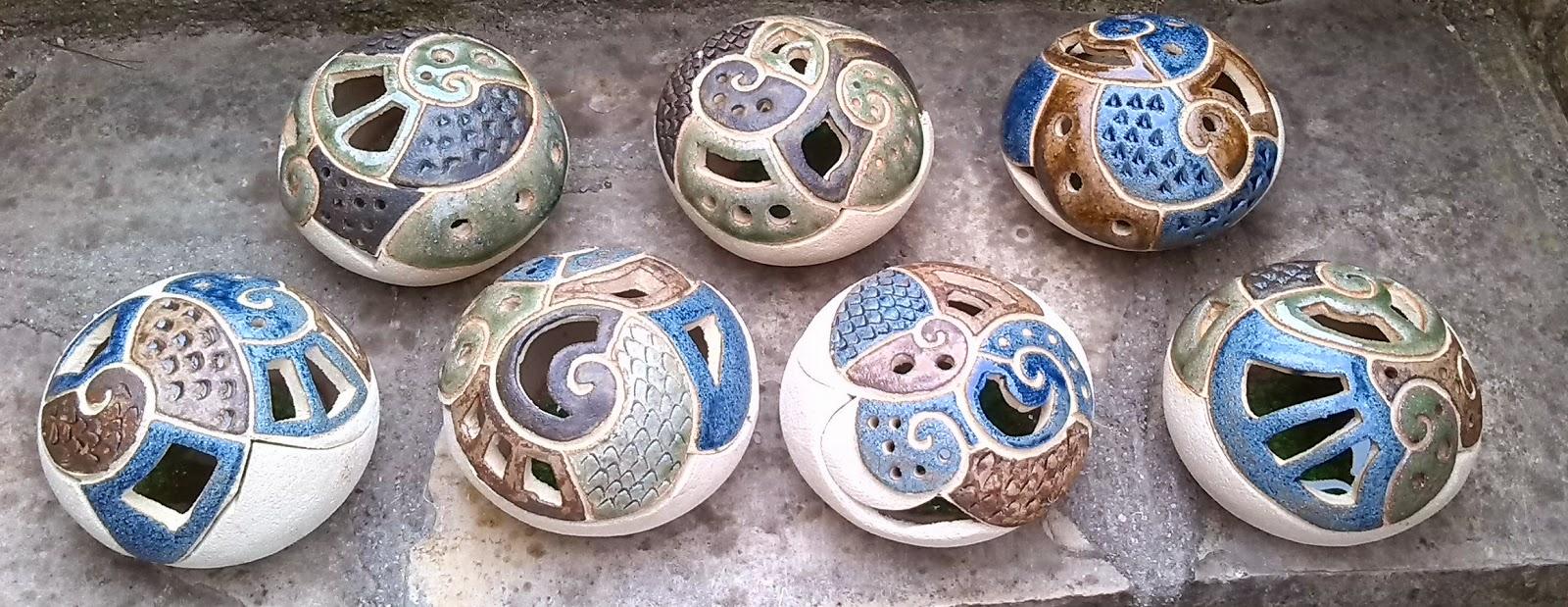regalos originales cerámica, tendencia en decoración, cerámica original y distinta, cerámica artesana, piezas cerámicas artesanas diferentes, quemadores de incienso, lámparas cerámicas, quemadores antimosquito tigre, quemadores de incienso, decoración