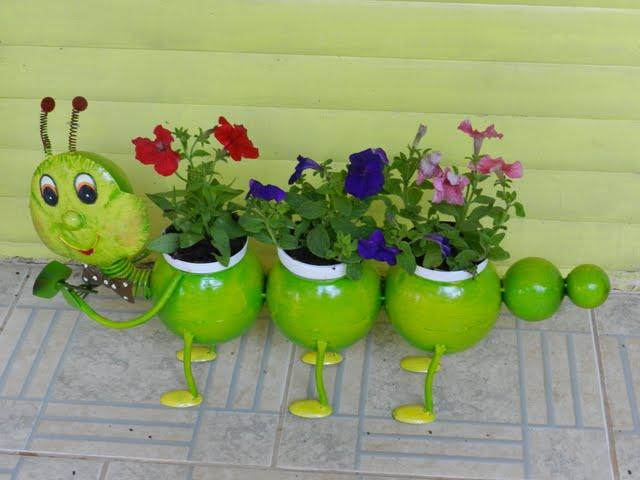 Postado Por BONECOS DE LATA PARA JARDIM às 00~ Enfeites De Latas Para Jardim