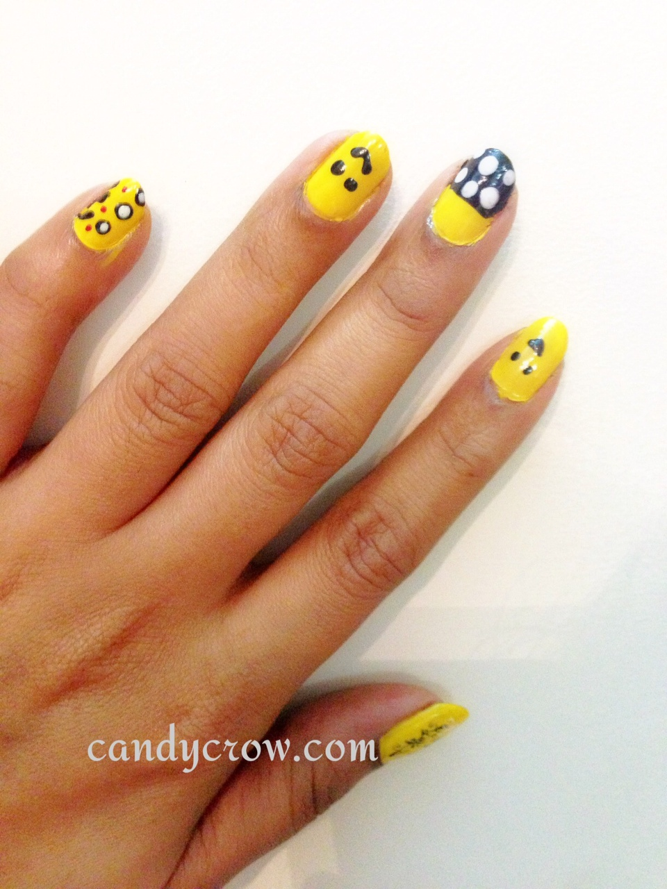Nail Art With Yellow Nail Polish