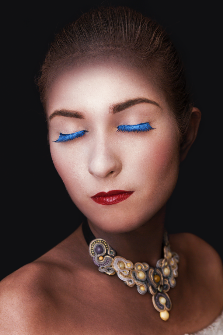 EDYTORIAL: iluzoryczna gra światła i cienia w stylizacjach RETRO