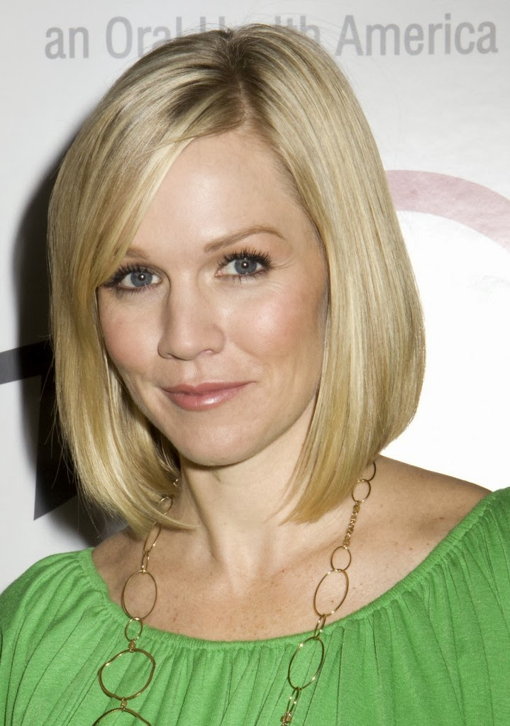 Famous Medium to Short Hairstyles for Women