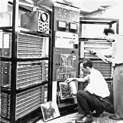 IBM 7090 moreover  furthermore Ttl Technology Getting Things Talking To Each Other in addition puter Parts Disposal Mn also L Evolution De L Ordinateur. on transistor computer