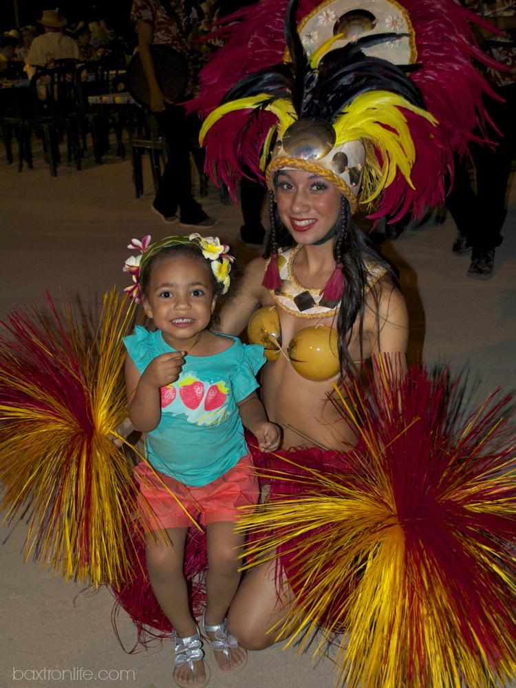 polynesian dancer paradise cove luau