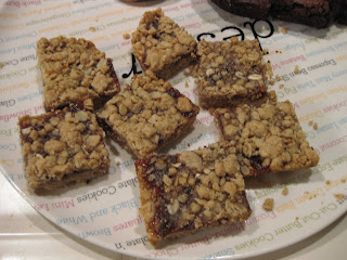 Recipe: Jam filled oatmeal bars