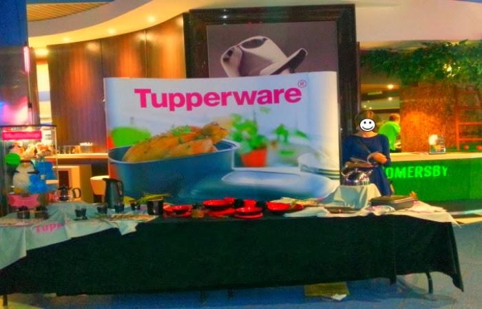 Obraz: stanowisko Tupperware na Nocy Reklamożerców 2013 w Multikinie