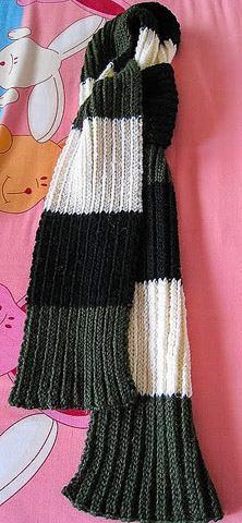 knitted ribbed striped scarf