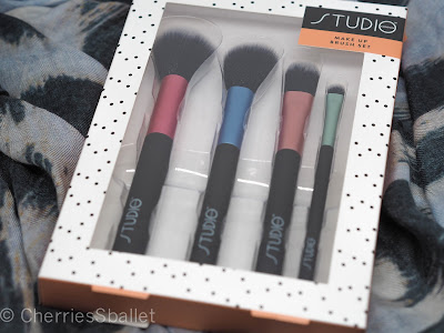 Studio London Make Up Brushes
