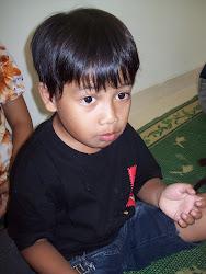 de jongste telg ven de familie heet paka en is de zoon van johannes de broer van theresia