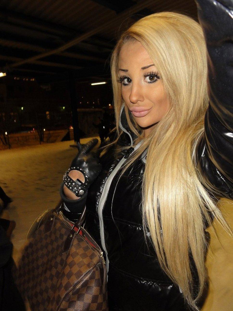 Нарощенные ресницы у блондинок фото