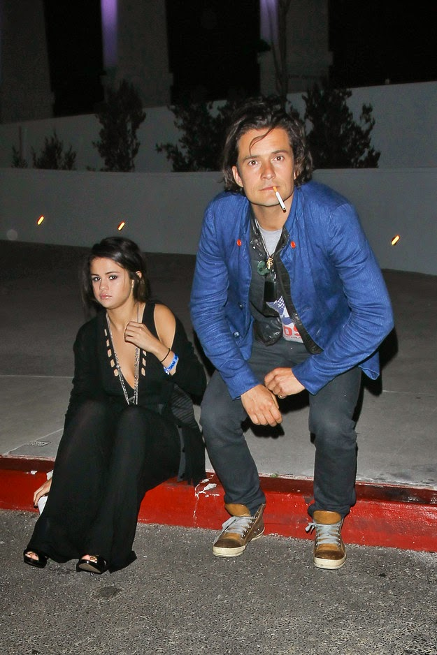 Selena and Orlando caught by a paparazzi