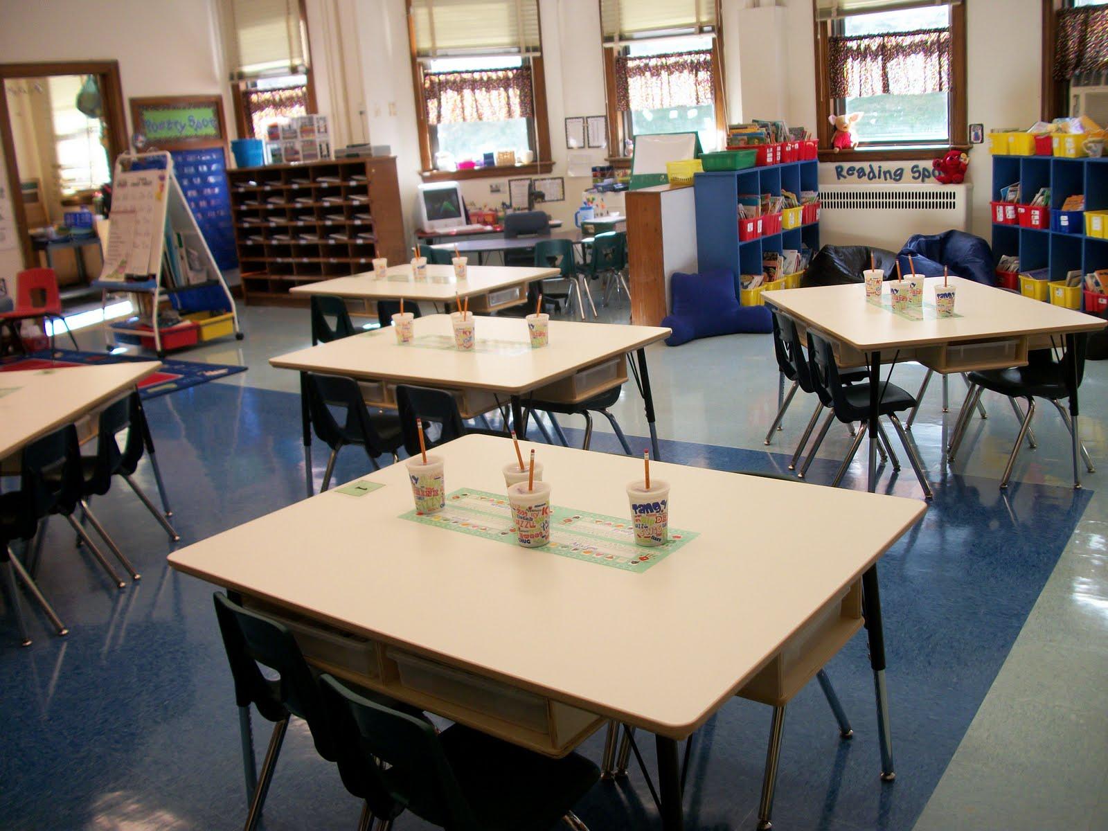 Spotlight on kindergarten desks vs tables for Table vs desk